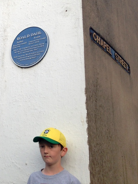 Look at the Roald Dahl plaque!