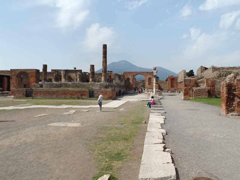 Pompeii Foro and Vesuvius