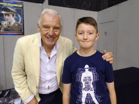 Tom Project Indigo meets Doctor Who actor Richard Franklin at Film & Comic Con Bournemouth